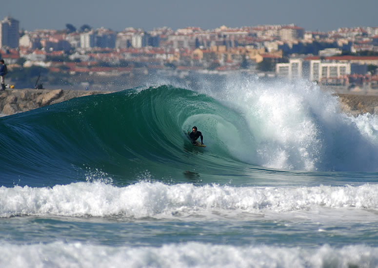 Surfing in Costa da Caparica