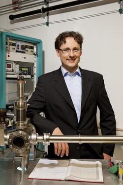 Prof. Mathias Kläui