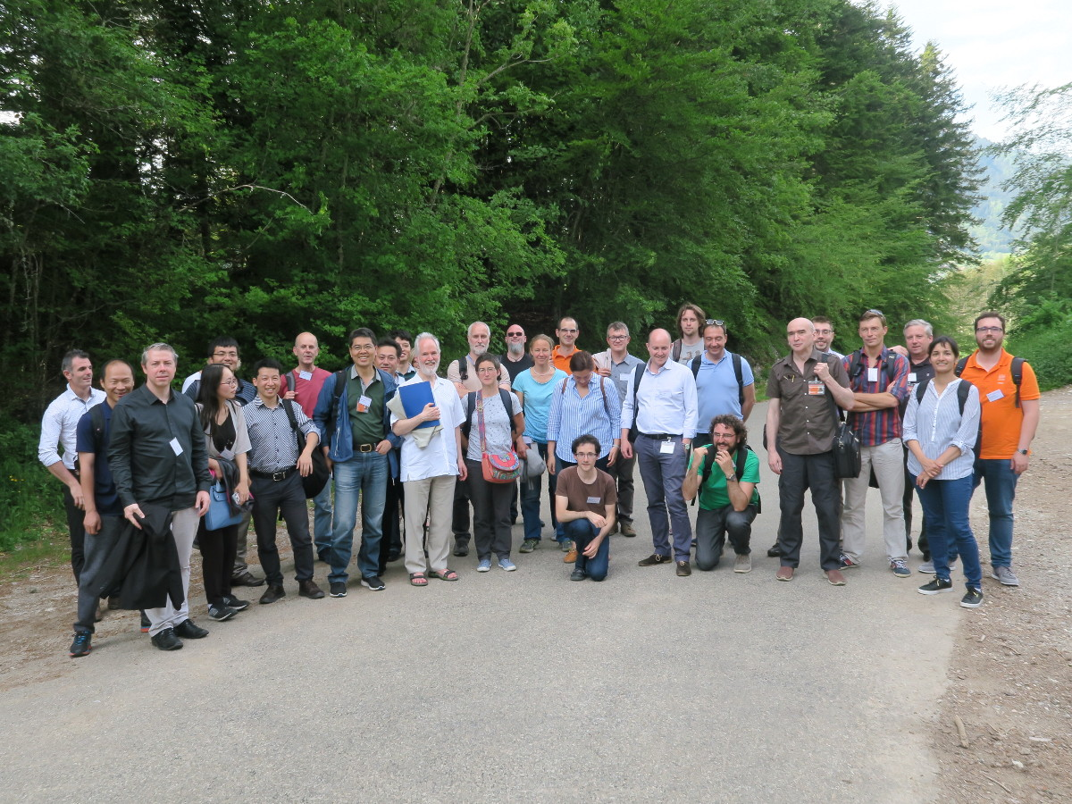 Group picture on the way to Fort St Eynard